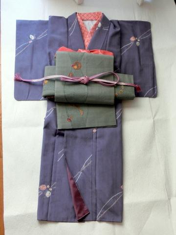 絞り柄の紬にすわとうの袋帯 紫色帯締