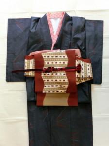 着物のコーディネート 紺の紬に染めの名古屋帯