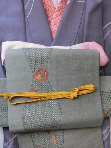 絞り柄の紬にすわとうの袋帯 紫色帯締UP