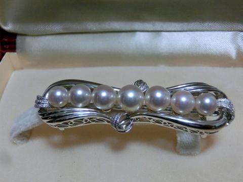 真珠の帯留め