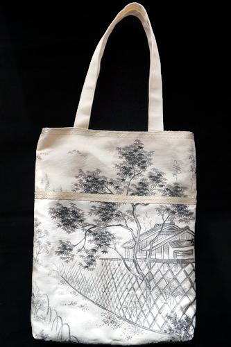 ★【霧夢桜】袋帯で作ったトートバッグ★  織り柄の美しさ織り柄の美しさを活かして