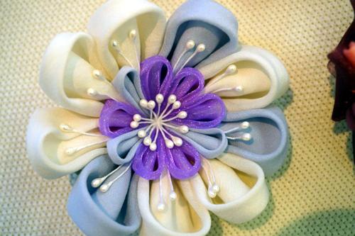 華やかなシフォンの花 ブルー