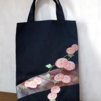 名古屋帯で作ったトートバッグ/黒地・ピンク花
