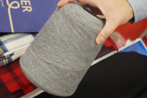 カシミアの糸