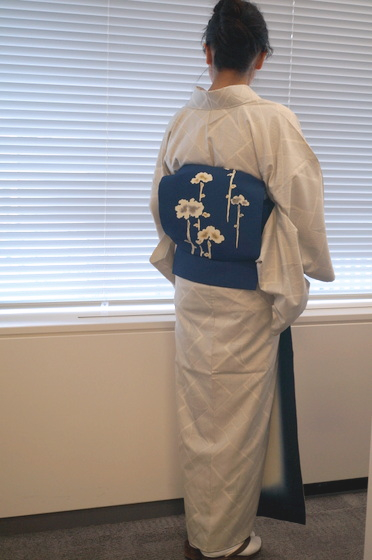 kimono-usiro