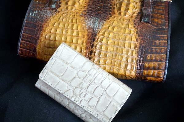 クロコダイルバッグと財布