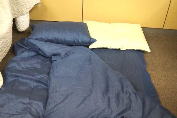 リネンの寝具