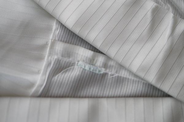 背縫いのタグ
