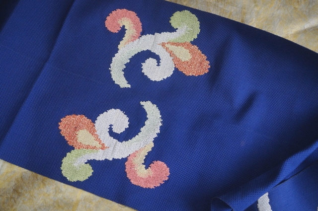 八寸刺繍帯青紺前柄