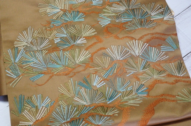 松の刺繍帯