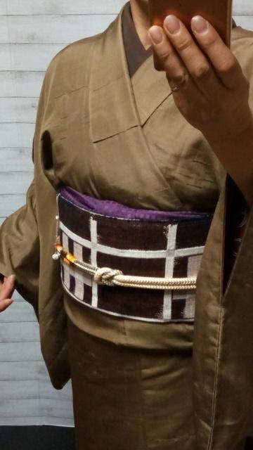 芥子色の着物に茶色の半衿