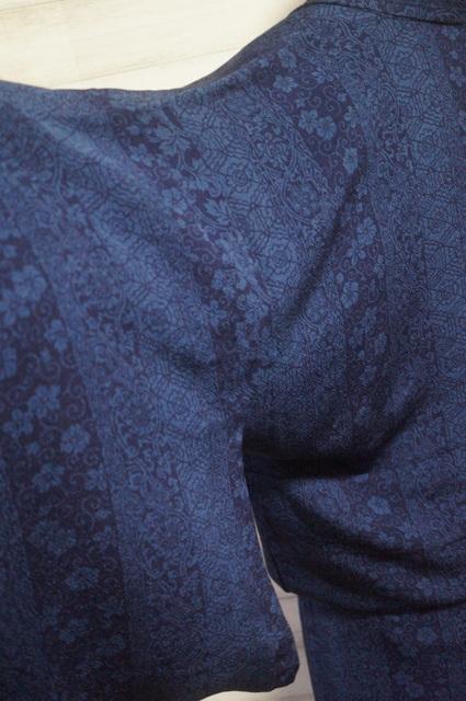 ドアノブでほつれた袖の修復終了