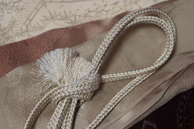 茶色帯の帯揚げ帯締め