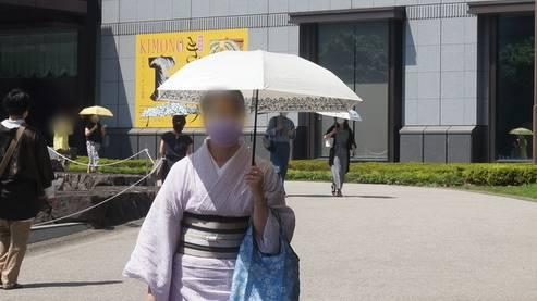 着物と日傘