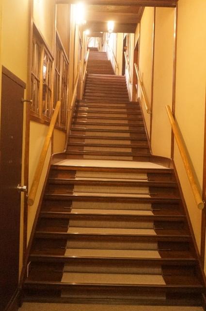 百段階段の写真